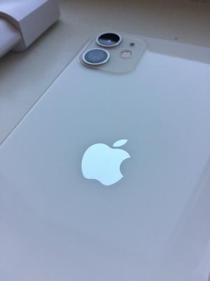 Светящаяся яблока на айфоне 11